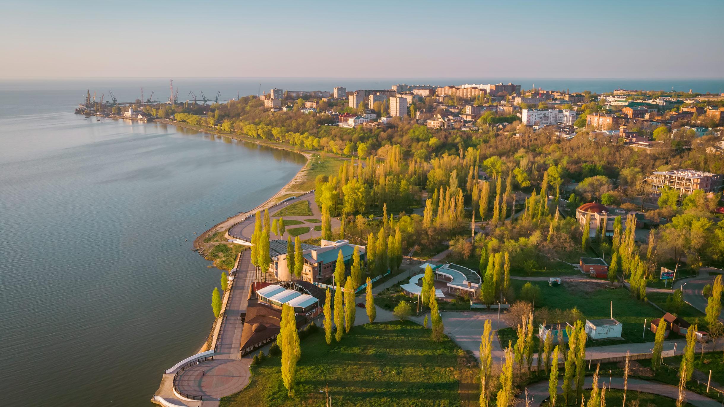 Набережная, порт и старый центр Таганрога