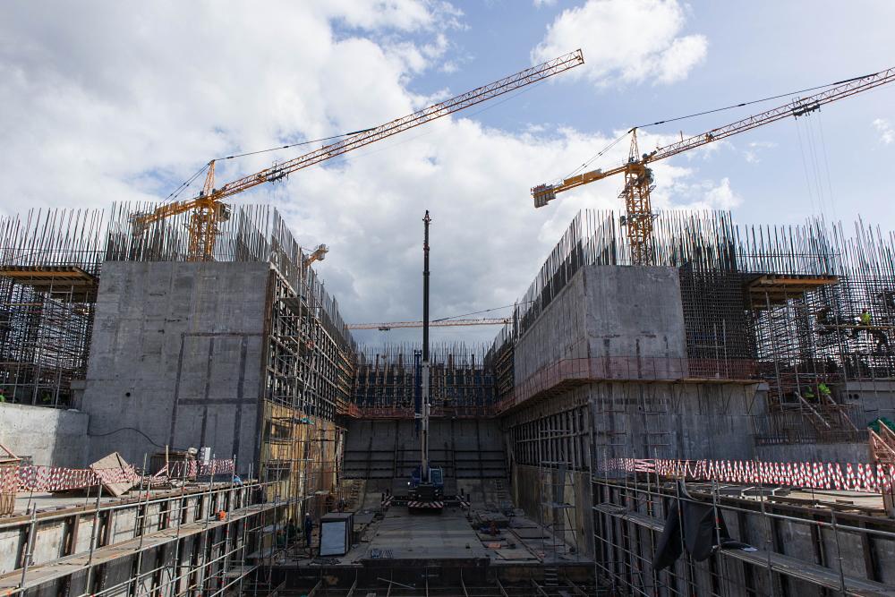 """Строящийся стартовый комплекс РН """"Ангара"""", вид с торца газоотражателя"""