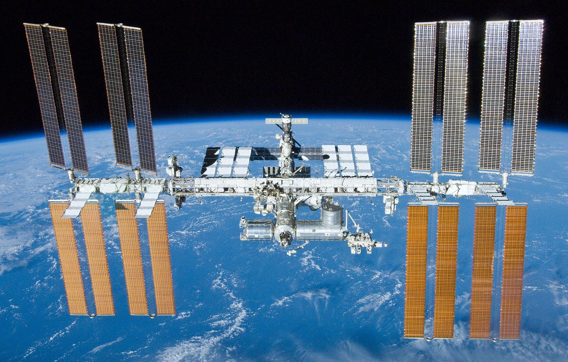 МКС (c) https://en.wikipedia.org/wiki/International_Space_Station