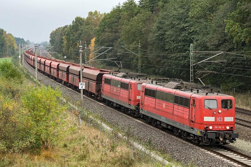 Опять-таки, BR151 c AK69e в двойной тяге ведут поезд хопперов