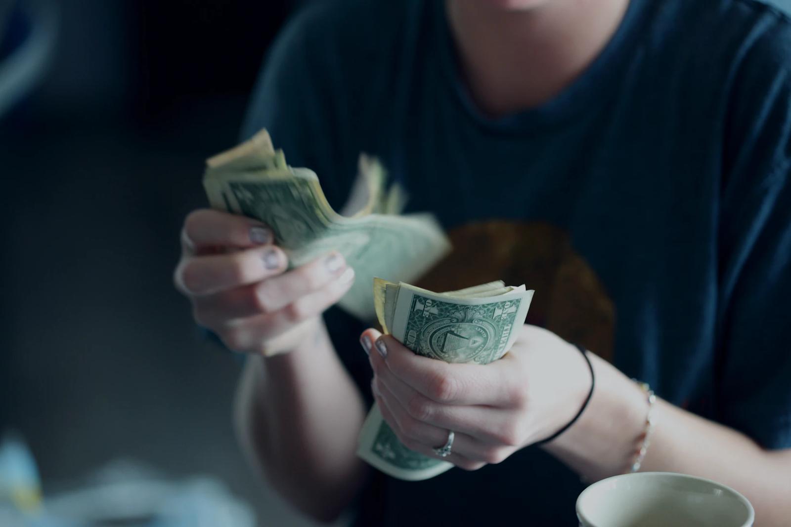 Учет расходов, сравнение вкладов, биржевые данные 5 полезных финансовых сервисов