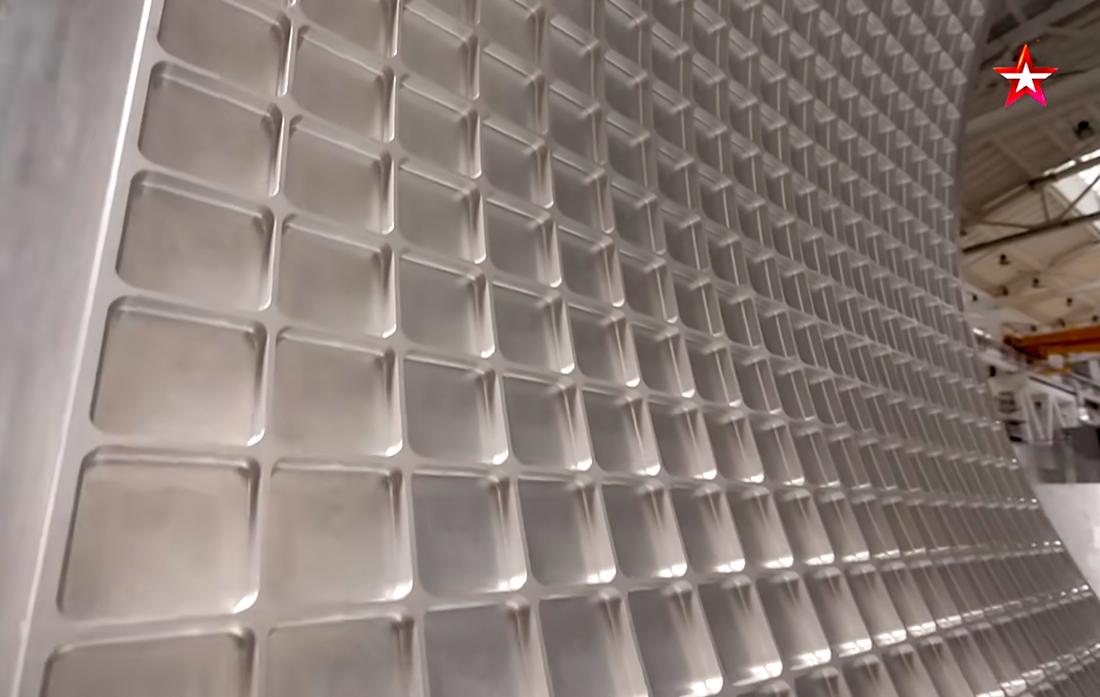 Вафельная структура стенок топливных баков ракеты «Ангара». Кадр телеканала «Звезда»