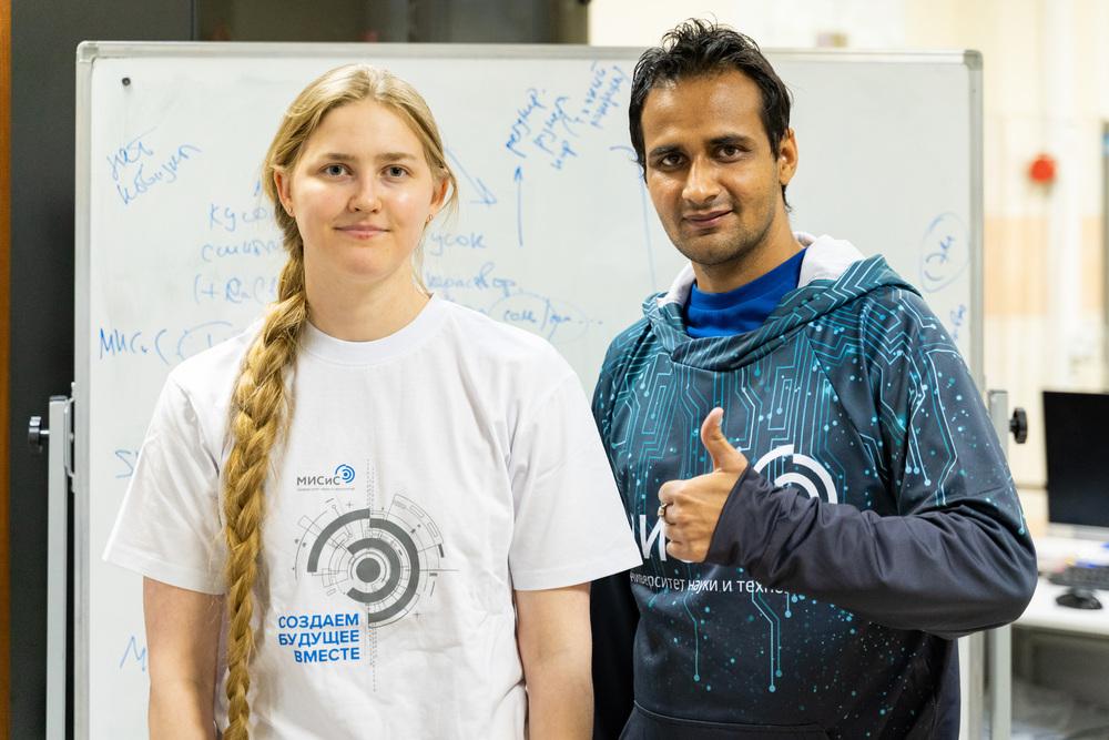 Молодая международная научная команда - Инна Булыгина и Раджан Чоудхари