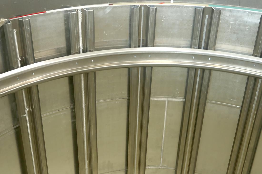 Элемент пробной конструкции тонкостенного бака со стрингерами S7 R&D. Фото автора