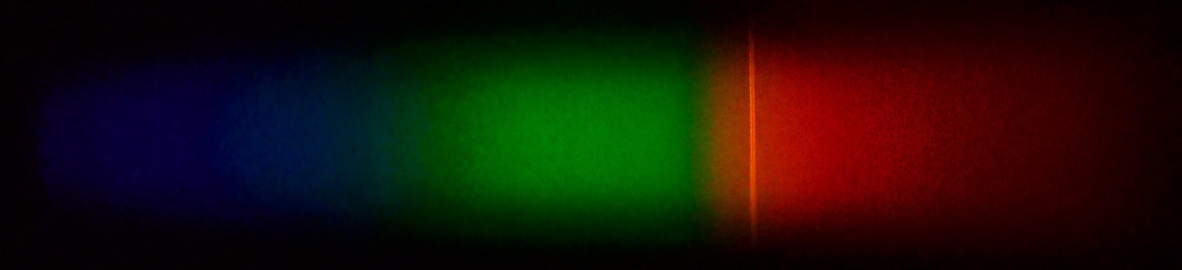 Я разжигал костер в камине и проводил исследования, фиксируя спектр пламени