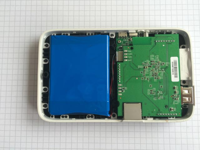 Kingston MLWG2 без верхней крышки (фото с сайта openwrt.org)