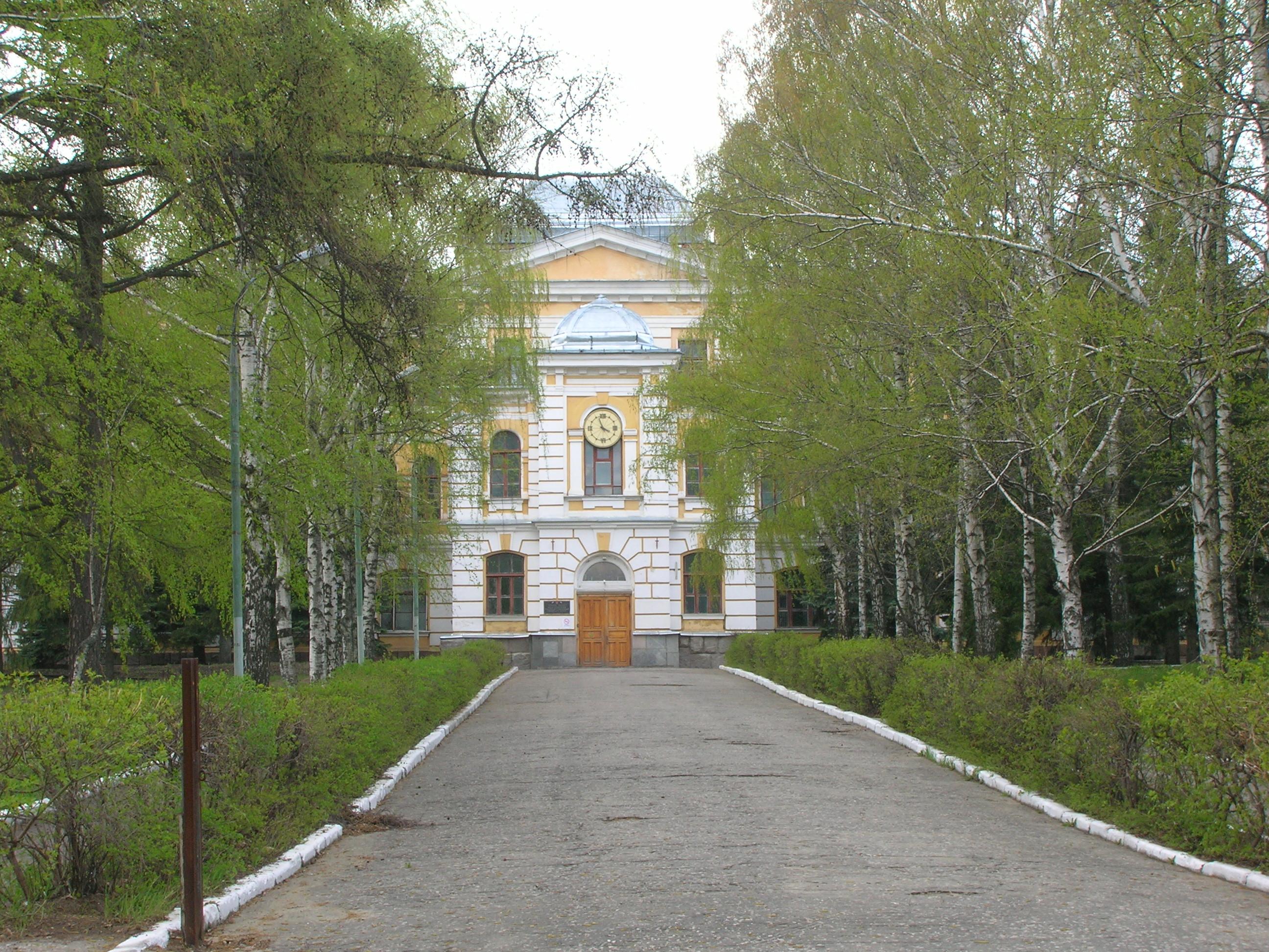 Как я дважды пытался, но ни разу не смог получить высшее ИТ-образование в российской провинции