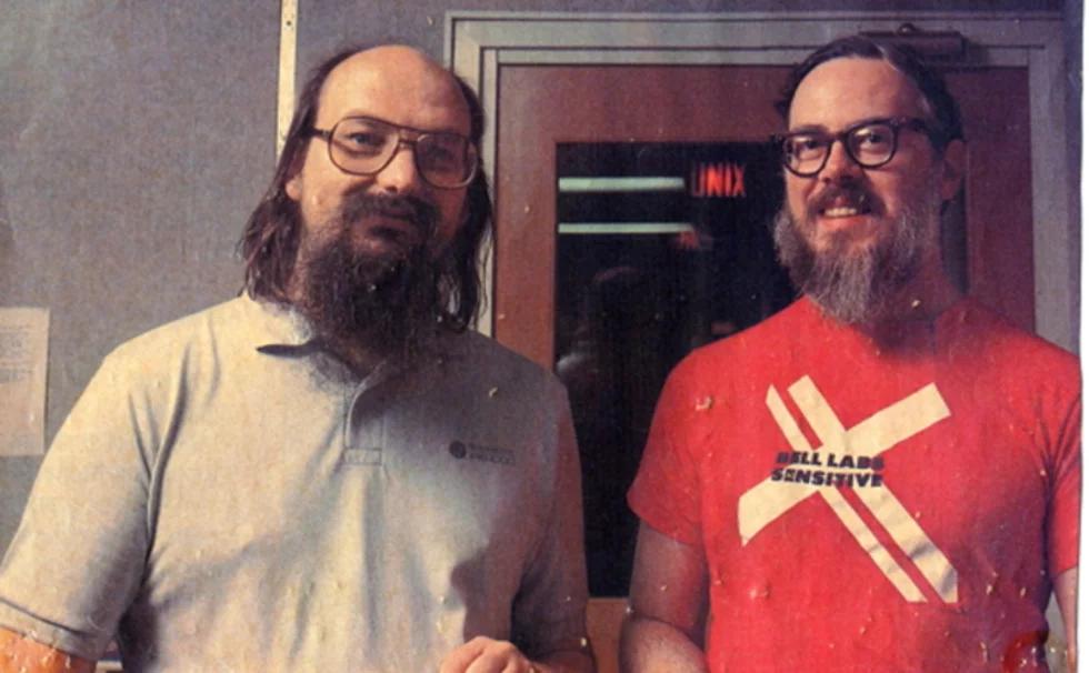 Кен Томпсон и Деннис Ритчи (справа)