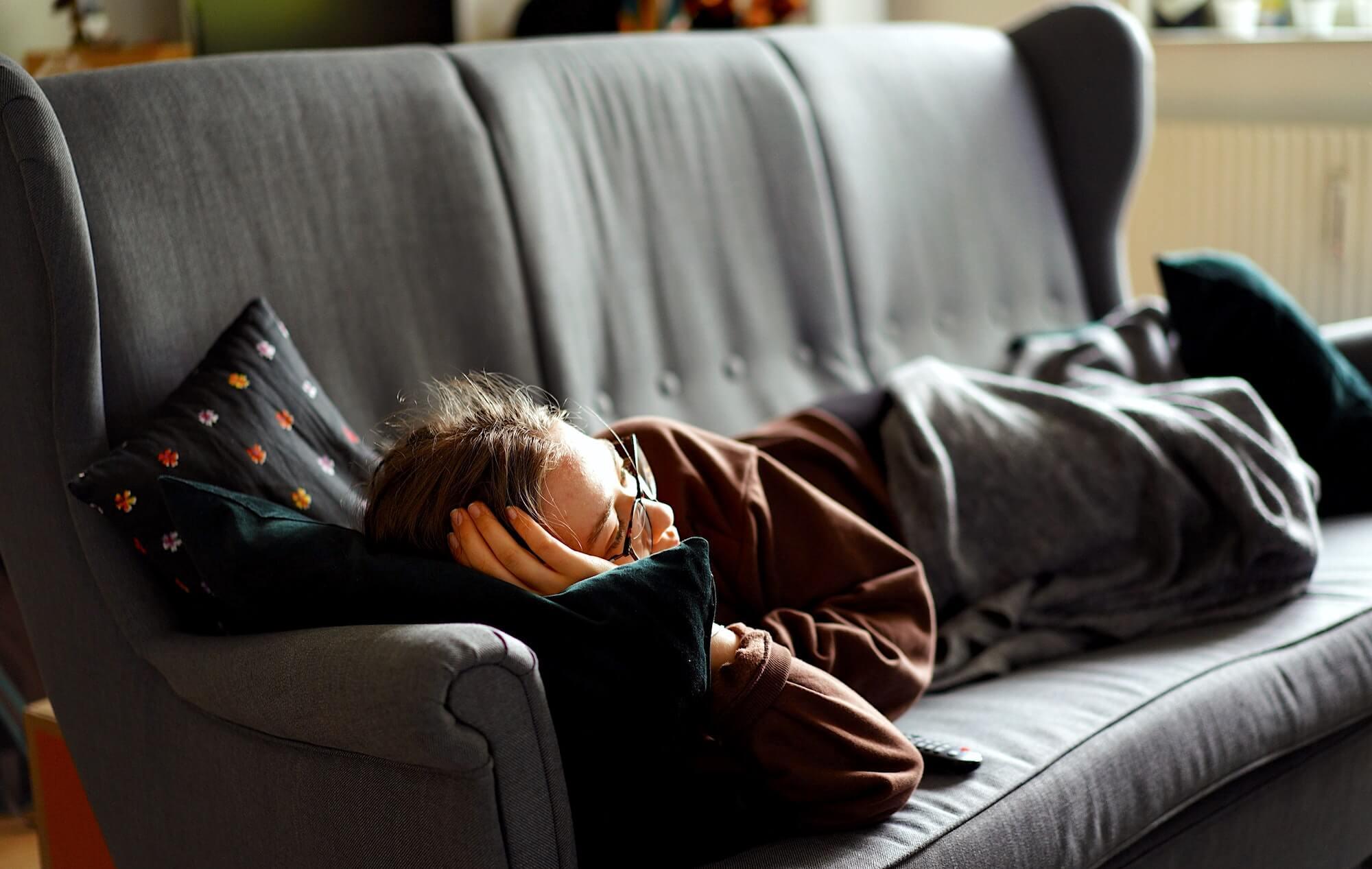 Давайте лучше по телевизору как контент для аудитории адаптируется под ее возможности