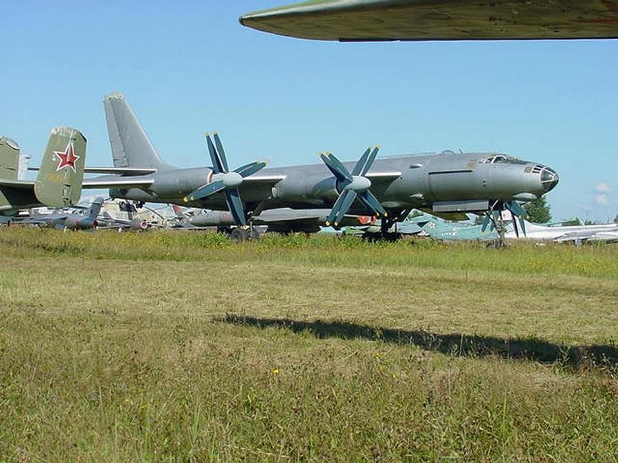 Советский атомолет Ту-95 ЛАЛ