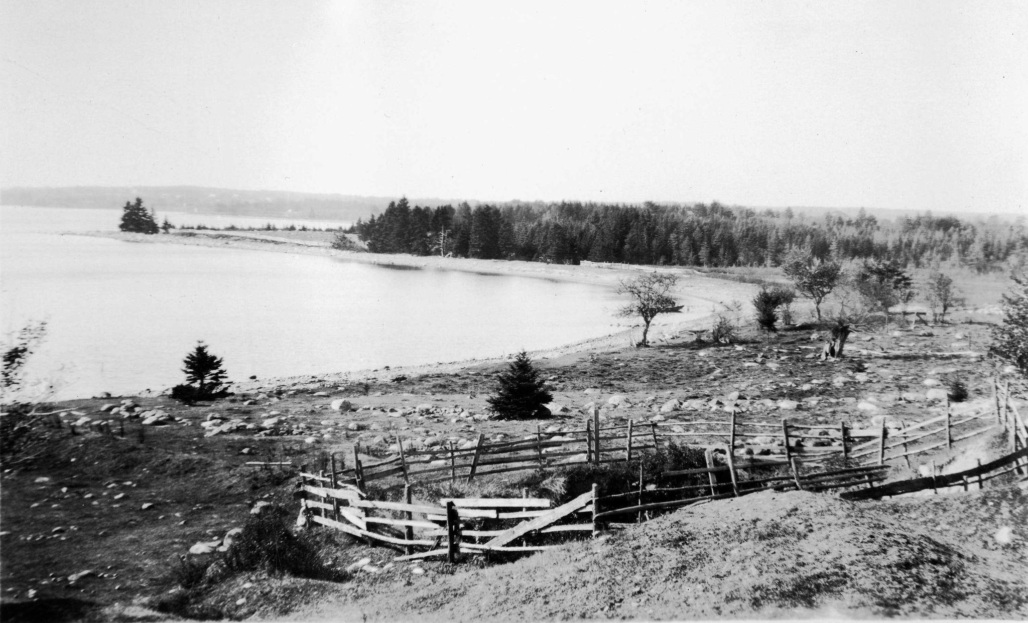 Остров Оук. Пиковая высота острова Оук составляет всего 36 футов (почти 11 метров) над уровнем моря. Архивы Новой Шотландии