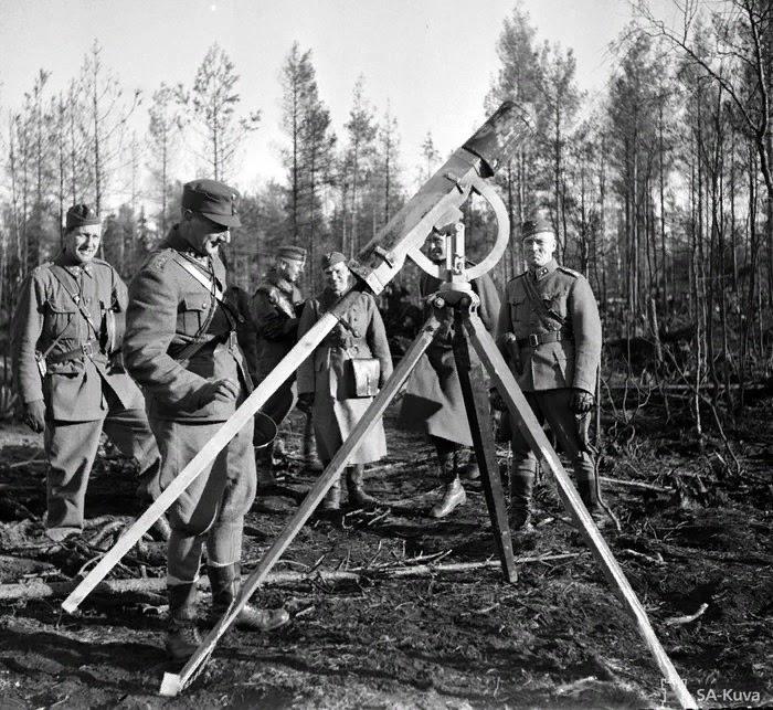 Стрельба финнов ракетами Константинова с агитационными листовками во Вторую мировую