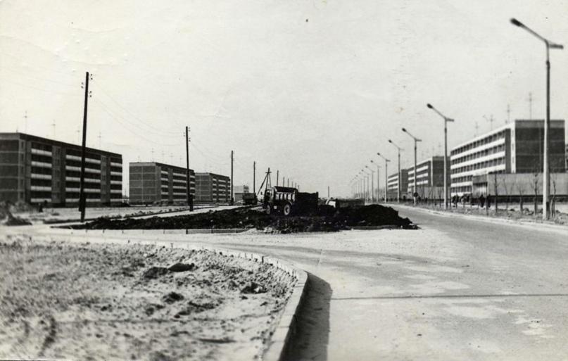 А это строительство 1-го и 2-го микрорайонов города, Проспект Ленина