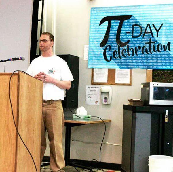"""С 2016 года Хейвенс проводит мероприятия """"День пи"""" в исправительном учреждении города Монро. За эти годы мероприятие посетили группы математиков, в том числе его наставники из Италии. В 2014 году Хейвенса перевели в тюрьму обычного режима в городе Монро."""