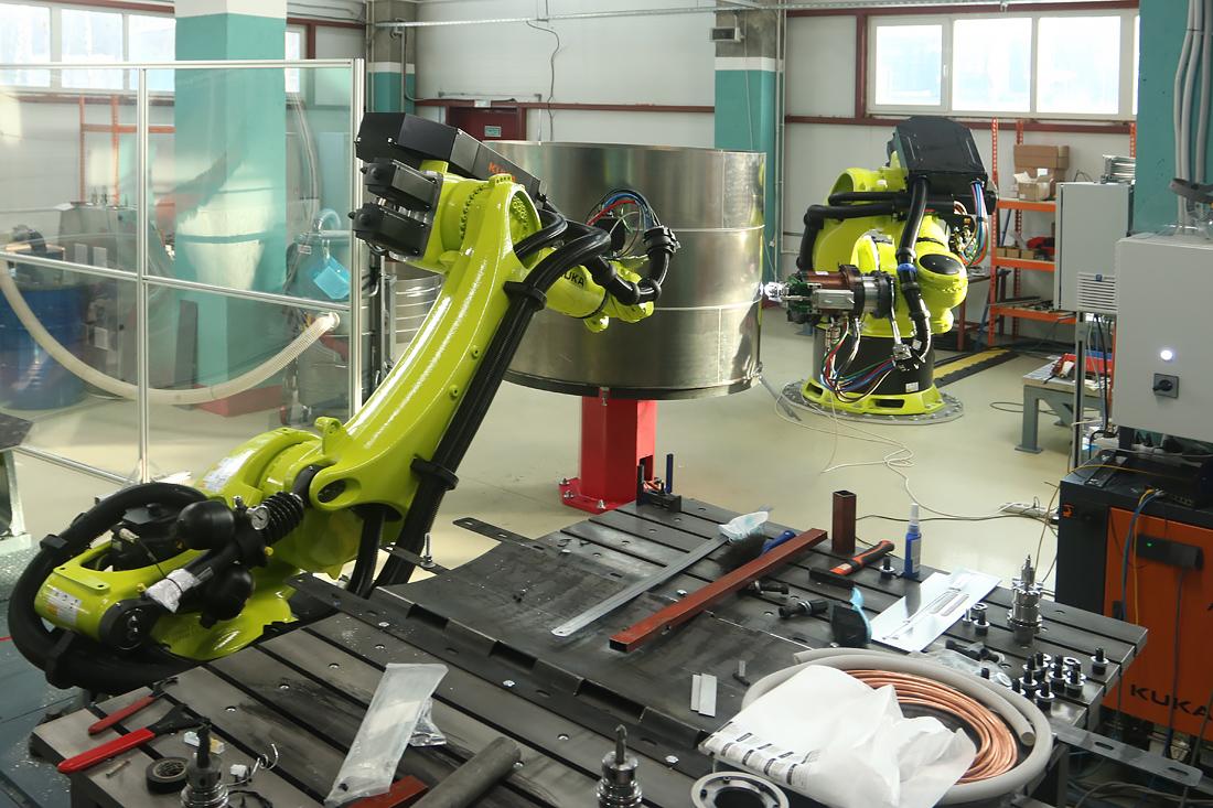 Роботы Kuka S7 R&D. Фото автора