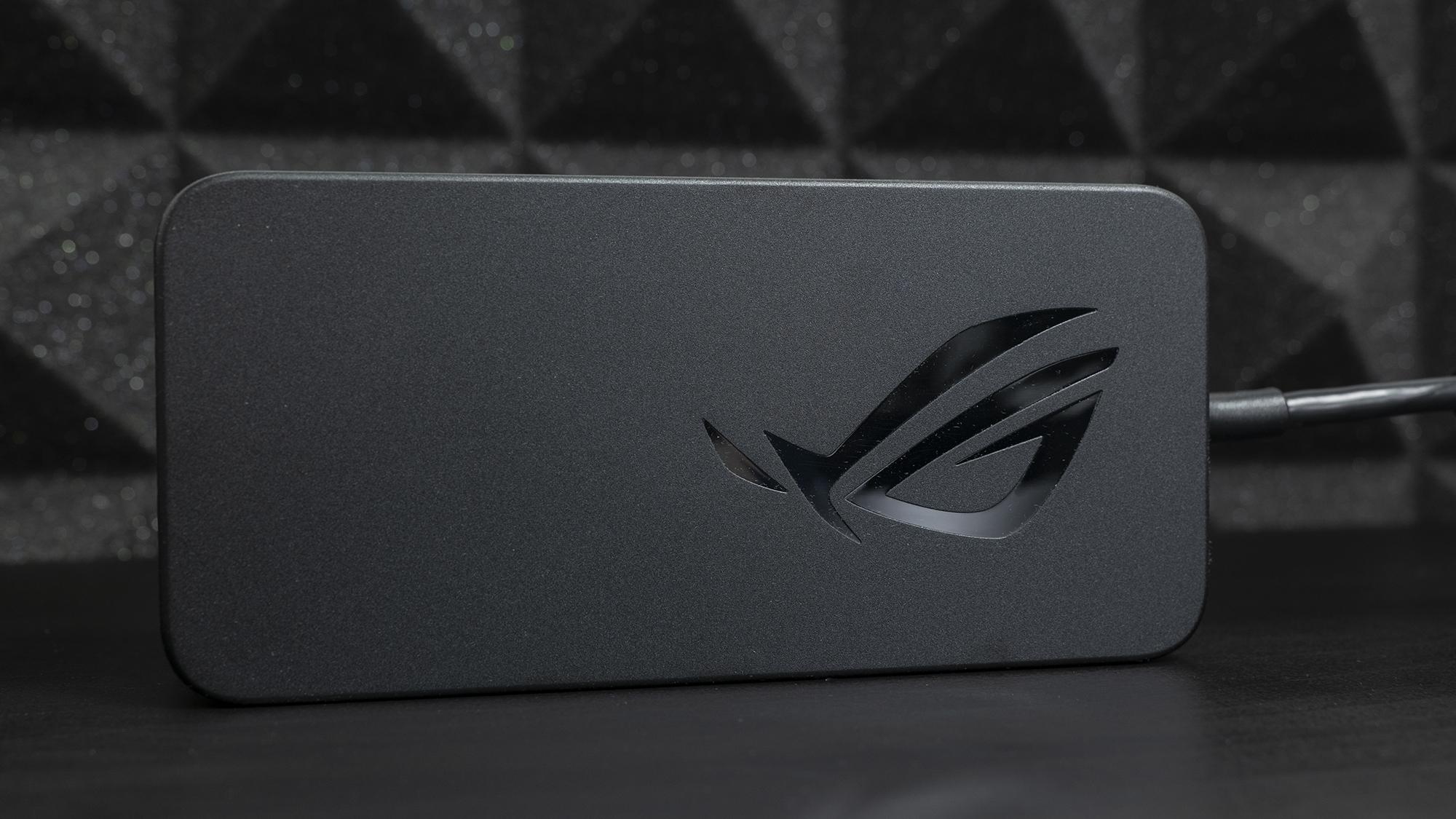 Блок питания ROG Strix G15 Advantage Edition