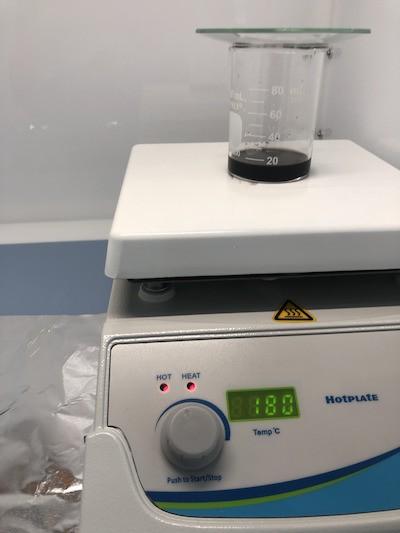 Чип обрабатывается в кислотной бане