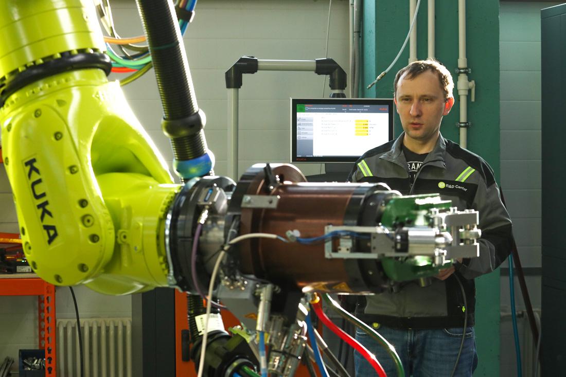Работа с манипулятором Kuka в S7 R&D. Фото автора