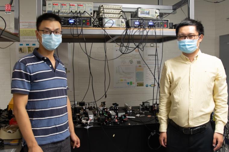Цюньтао Чжуан (слева) и Чжешен Чжан, авторы эксперимента