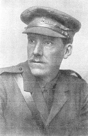 Майор Х. Хескет-Причард, один из ведущих теоретиков снайперского дела в Британской армии, сам до войны являлся охотником на крупную дичь. Фото, вероятно, сделано около 1917 года.