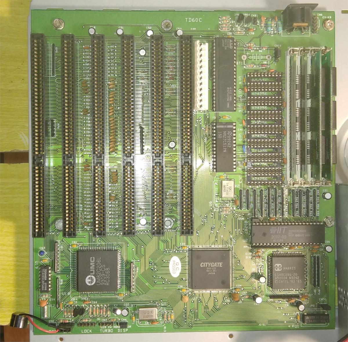 Материнская плата TD60C неизвестного производителя, 1992 г.