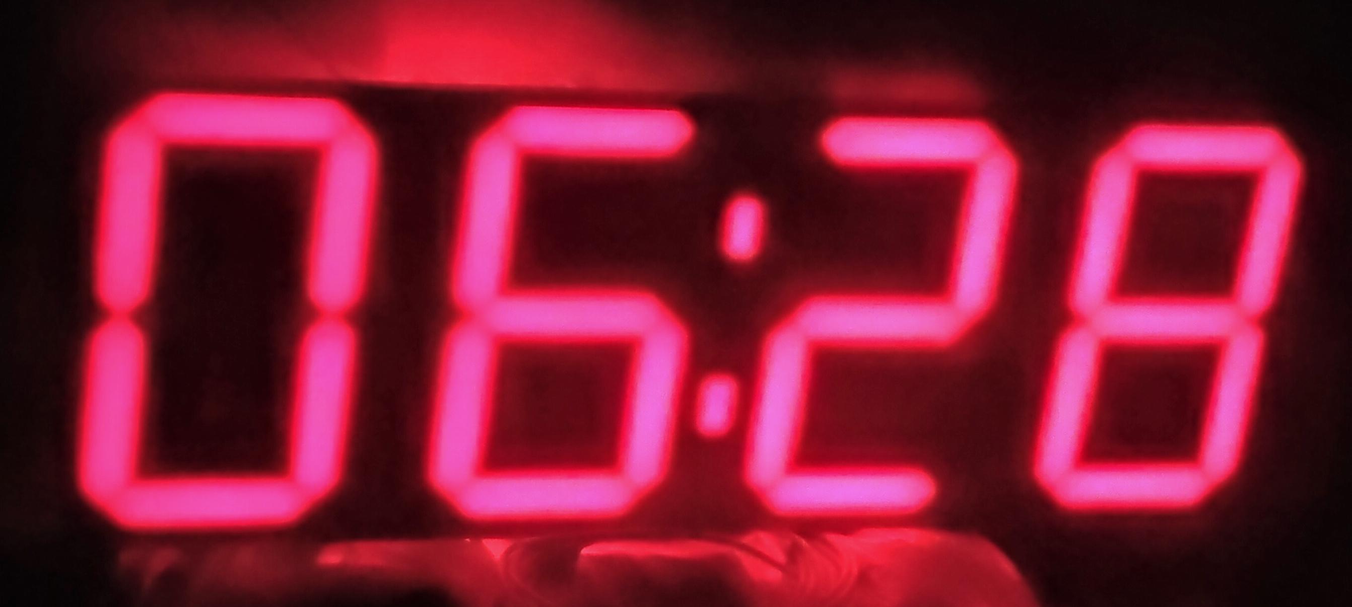 Крутые часы на адресных диодах