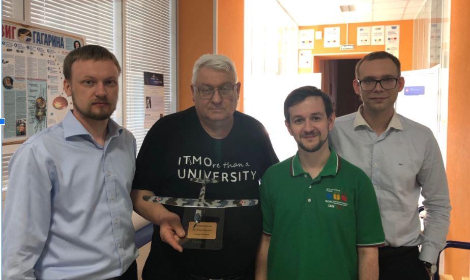 С выпускниками Сашей Наумовым, Пашей Мавриным (чемпионом мира по программированию 2004 года) и Сережей Вишняковым. 2018 год