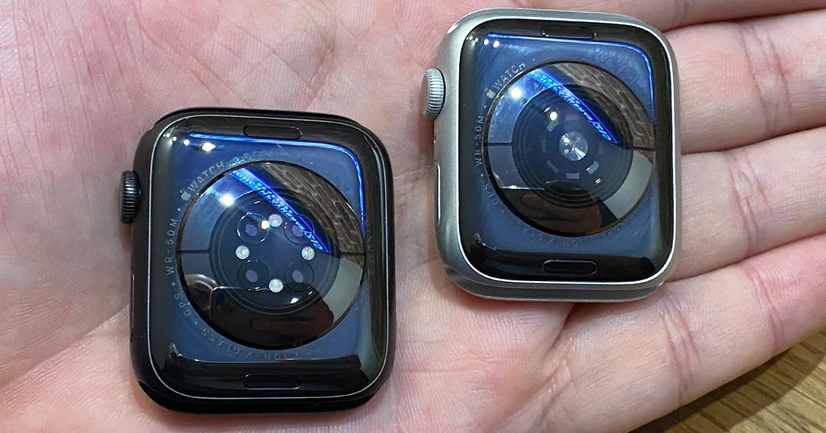 Слева — Series 6, справа — Series5