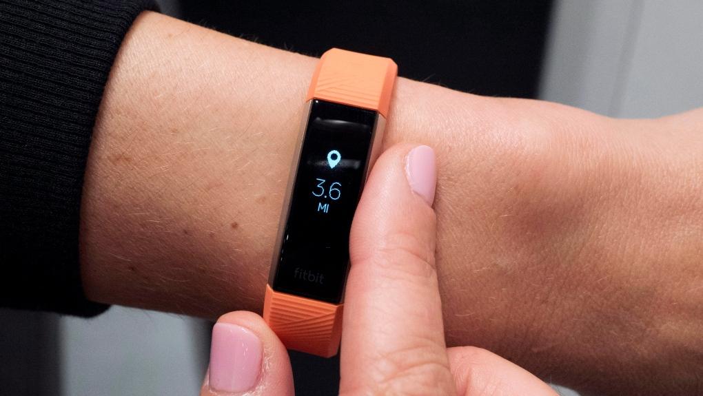 НАСА раздаст тысяче сотрудников устройства Fitbit, чтобы отследить распространение коронавируса