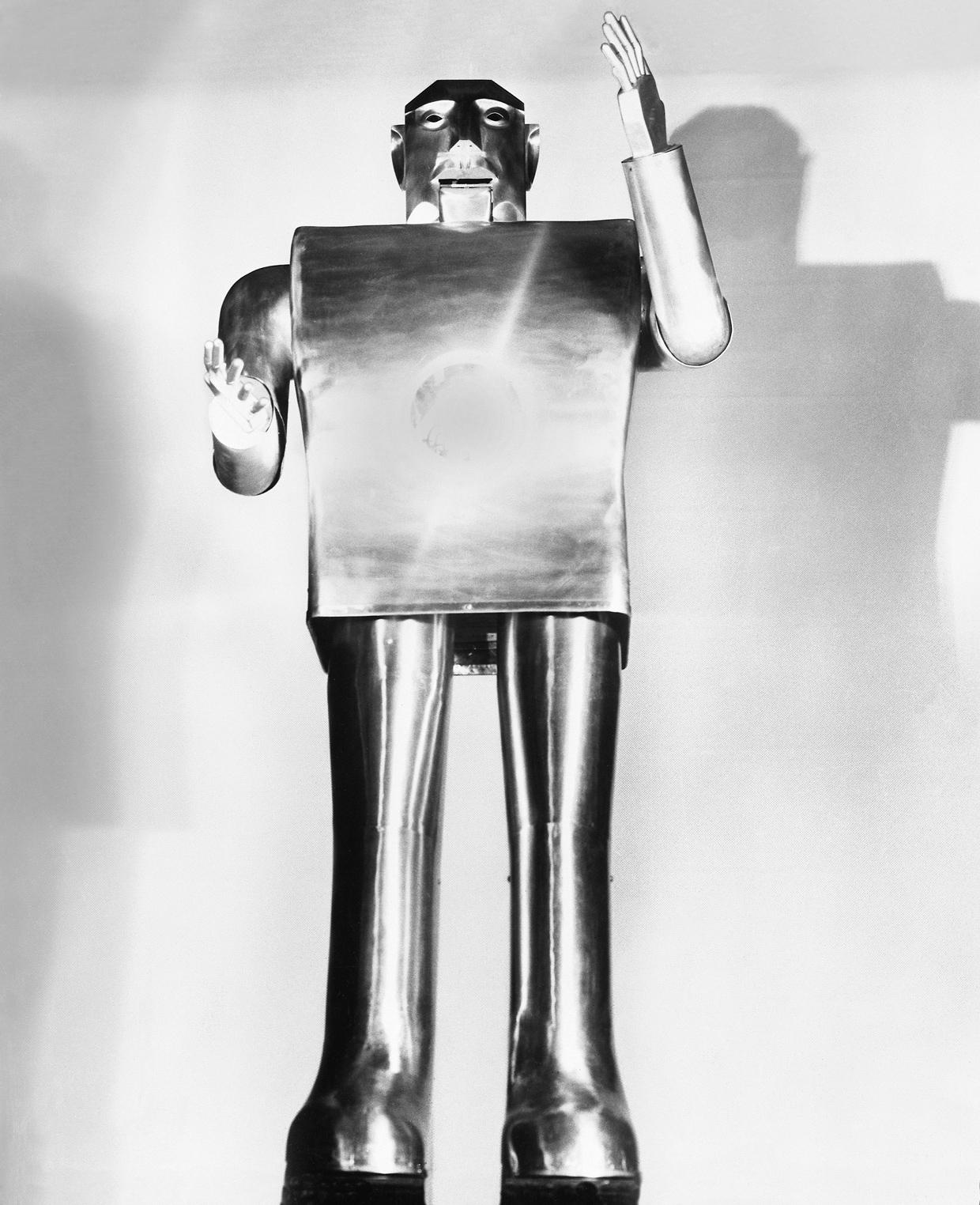Перевод Электро, умнейший робот Всемирной выставки 1939 года