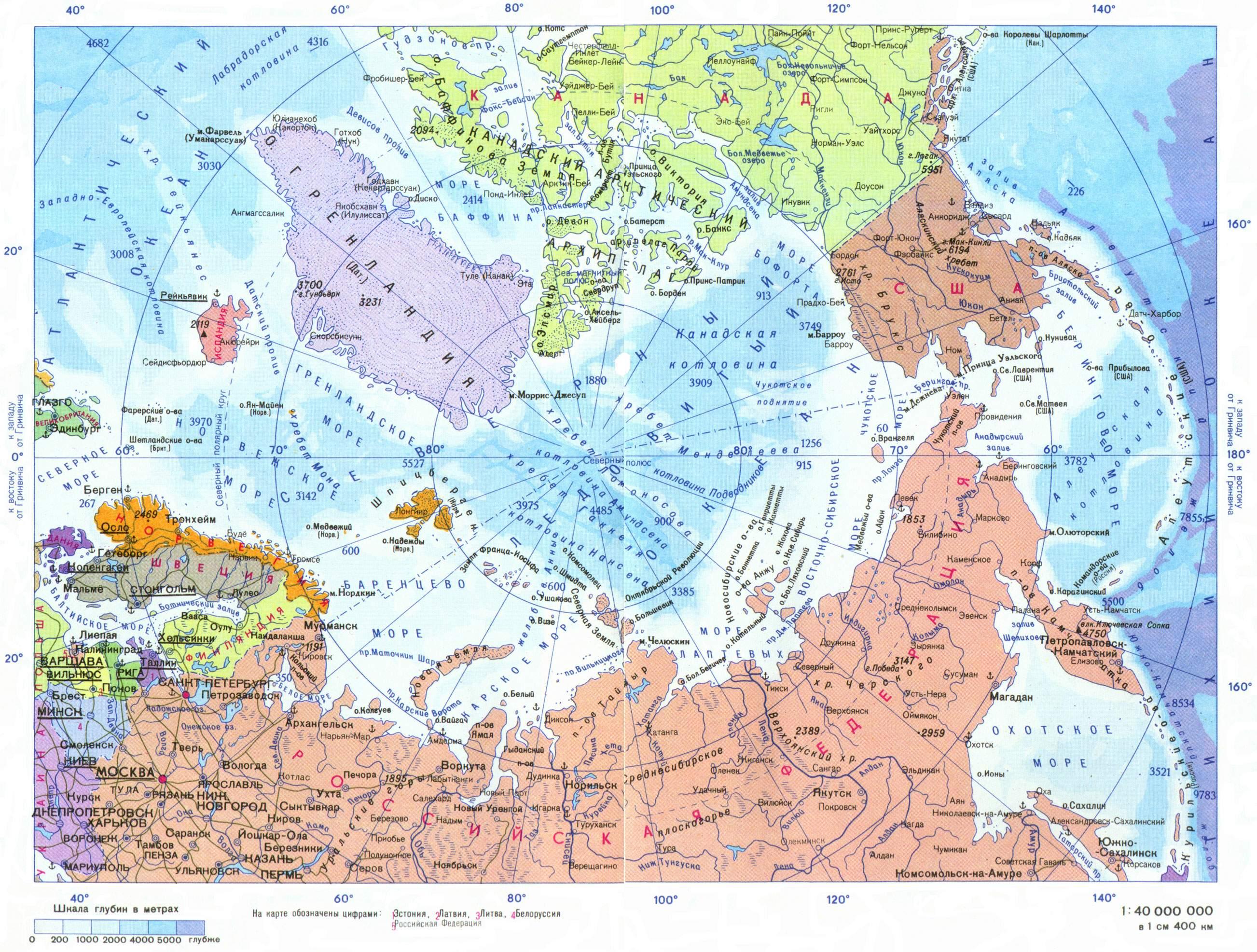 """Северный ледовитый океан, арктические моря и береговые линии арктических государств. Виден огромный """"фасад"""" России, выходящий в Арктику."""