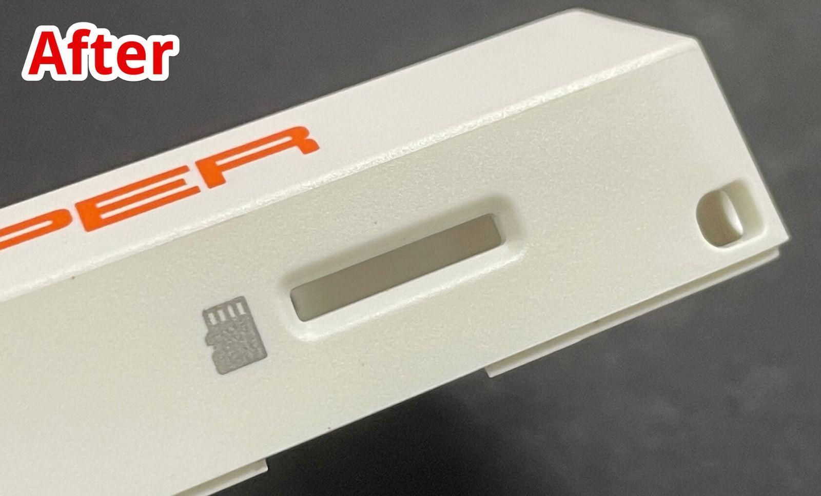 Сейчас поверхность возле SD-card выглядит ровной