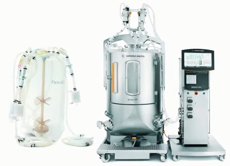 Биореактор и одноразовая система для выращивания клеточной массы