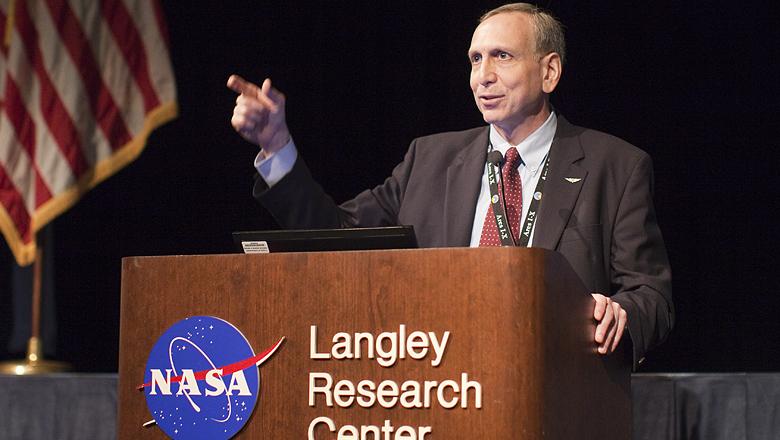 Стивен Юрчик, новый глава NASA
