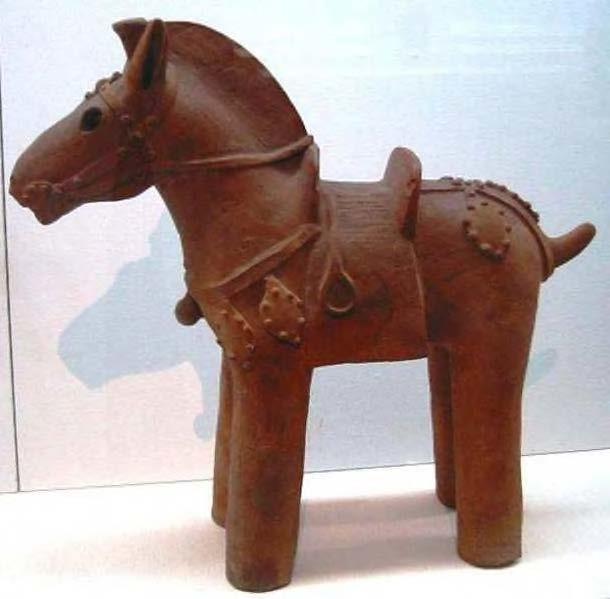 Глиняная статуэтка VI века, Япония