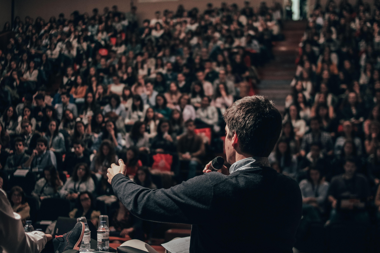 Как завоевать внимание на IT-конференции. 8 правил успешного выступления