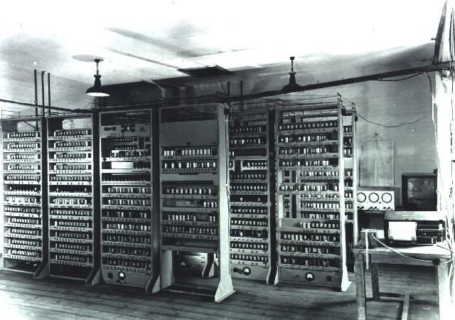 Рис. 1. Непосредственно EDSAC
