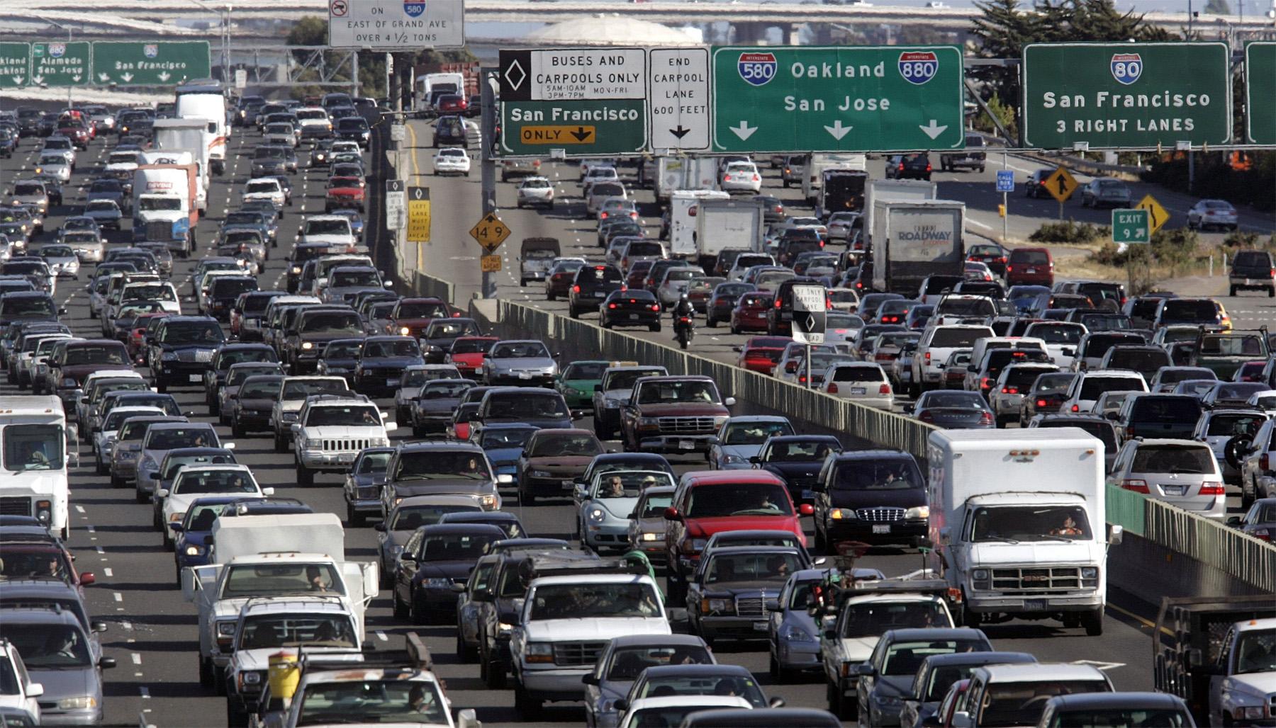 Перевод Удаленная работа с начала коронавируса сэкономила американцам 91 млрд на транспорте, или около 2000 на человека