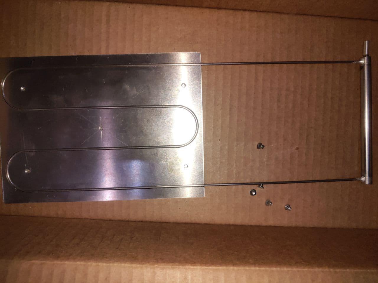 Вскрытие посылки выявило, что КТТ пришёл с теплосъёмником в зоне конденсатора, без теплосъёмника на испарителе