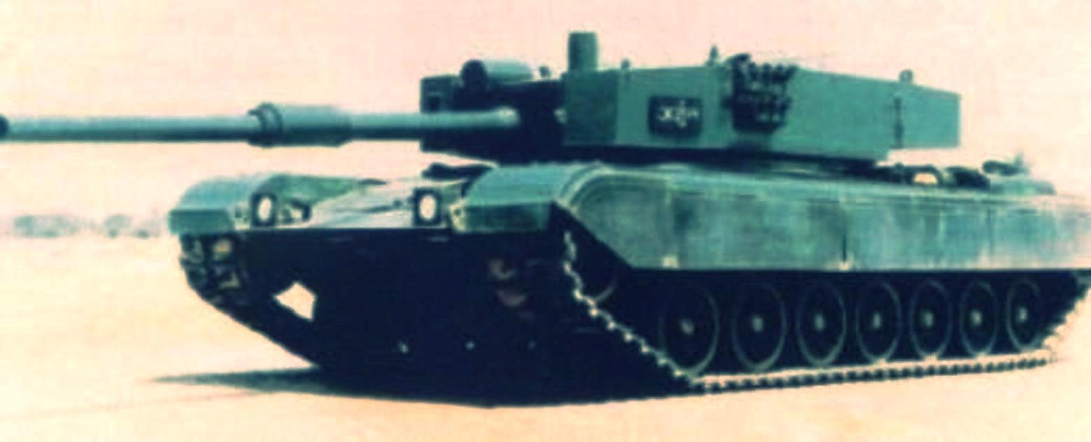 """Прототип конца 80-х годов с 105-мм пушкой и ранним вариантом """"немецкой"""" башни"""
