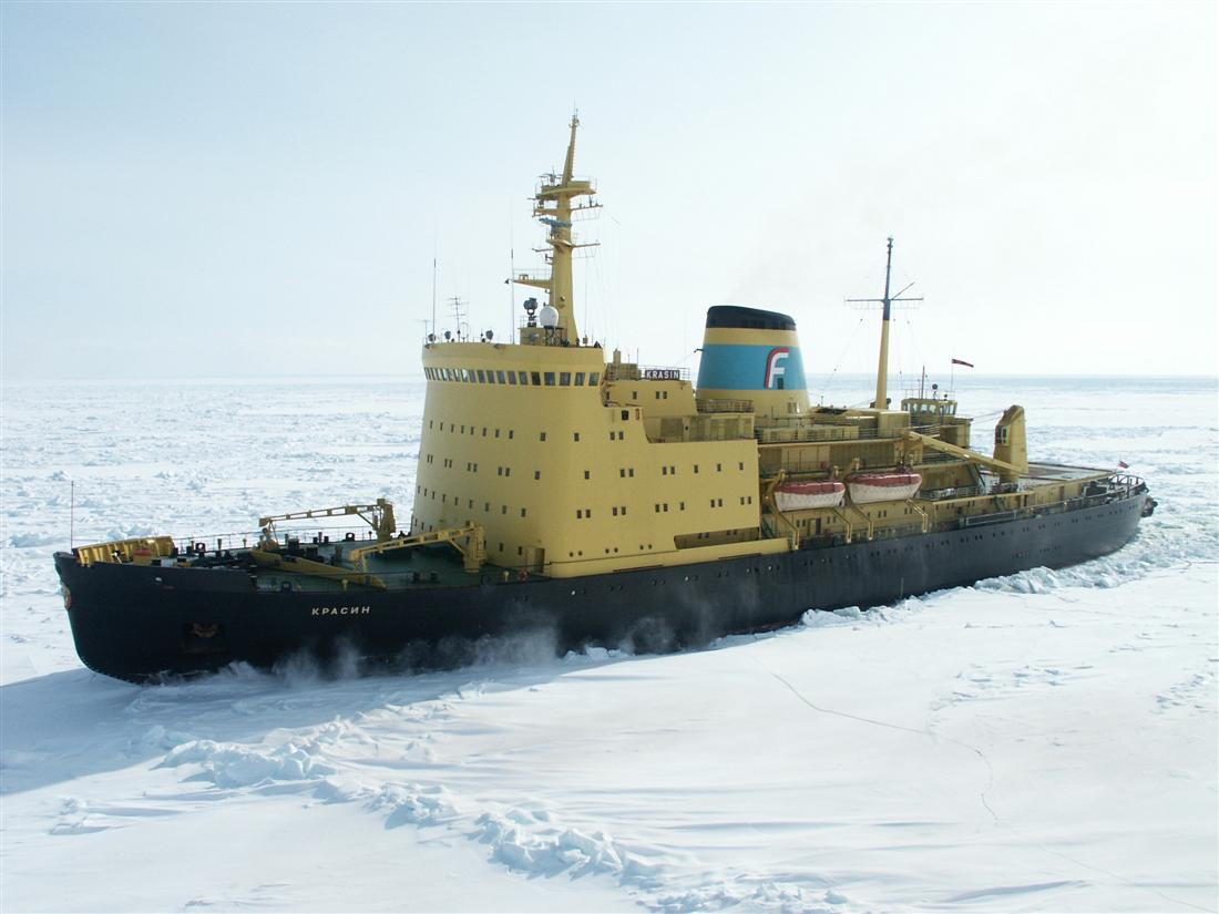 Ледокол «Красин» (1976 год постройки) - один из самых мощных (36 тыс.л.с.) дизель-электрических ледоколов в мире