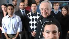 Чарльз Нессон со студентами