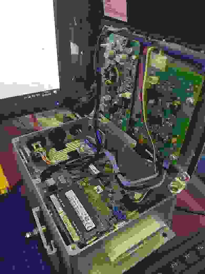 Промышленный безвентиляторный ПК на базе Intel NUC5i3RYB