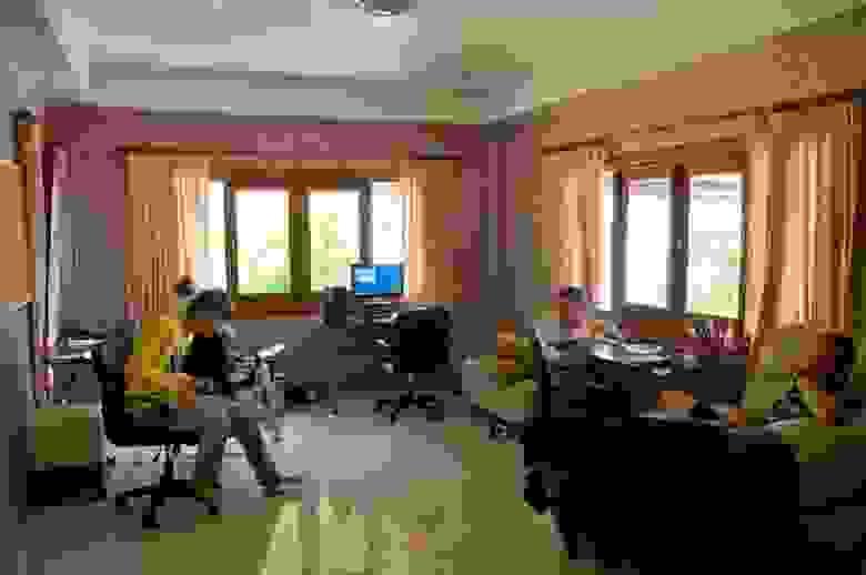 LinguaLeo Office -- офис у Джунглей...