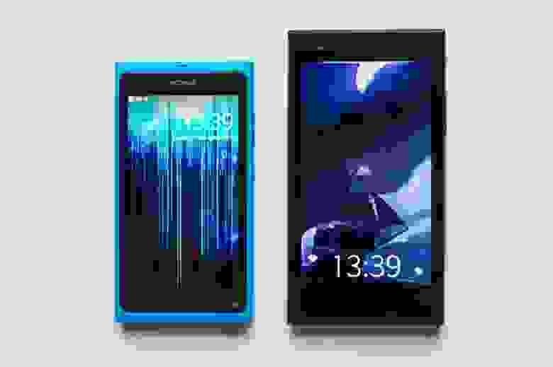 Новый Jolla крупнее N9 и имеет более угловатый дизайн.