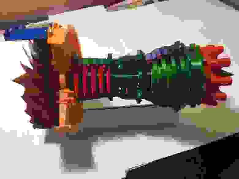 Модель реактивного двигателя на наших 3D-принтерах. Детали печатались и на версии 1, и на версии 2.