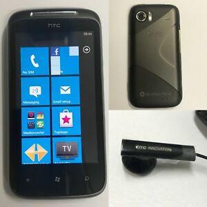 Первый смартфон на Windows Phone — HTC 7 Mozart. Фото: Ebay