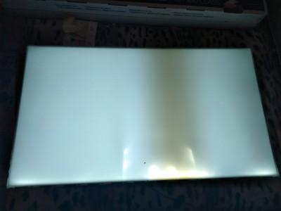 неисправный рассеиватель дает дефекты освещения