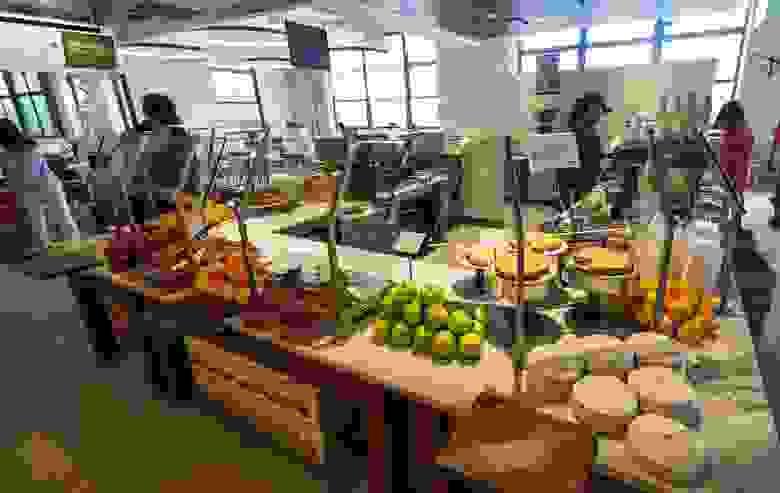 Столовая офиса Google в Нью-Йорке