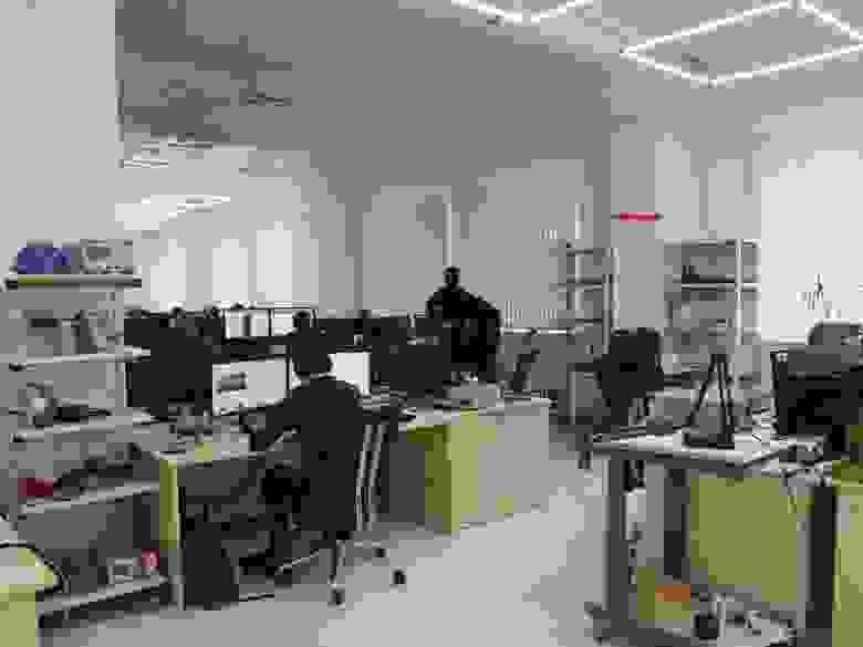 Офис отдела разработки, где создают шоу
